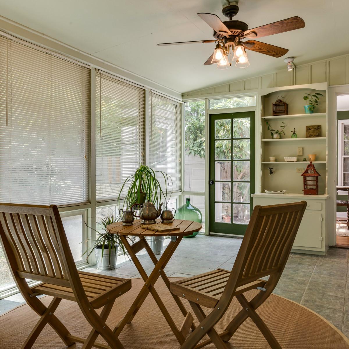 16 Ledge Ln San Antonio house for sale sunroom