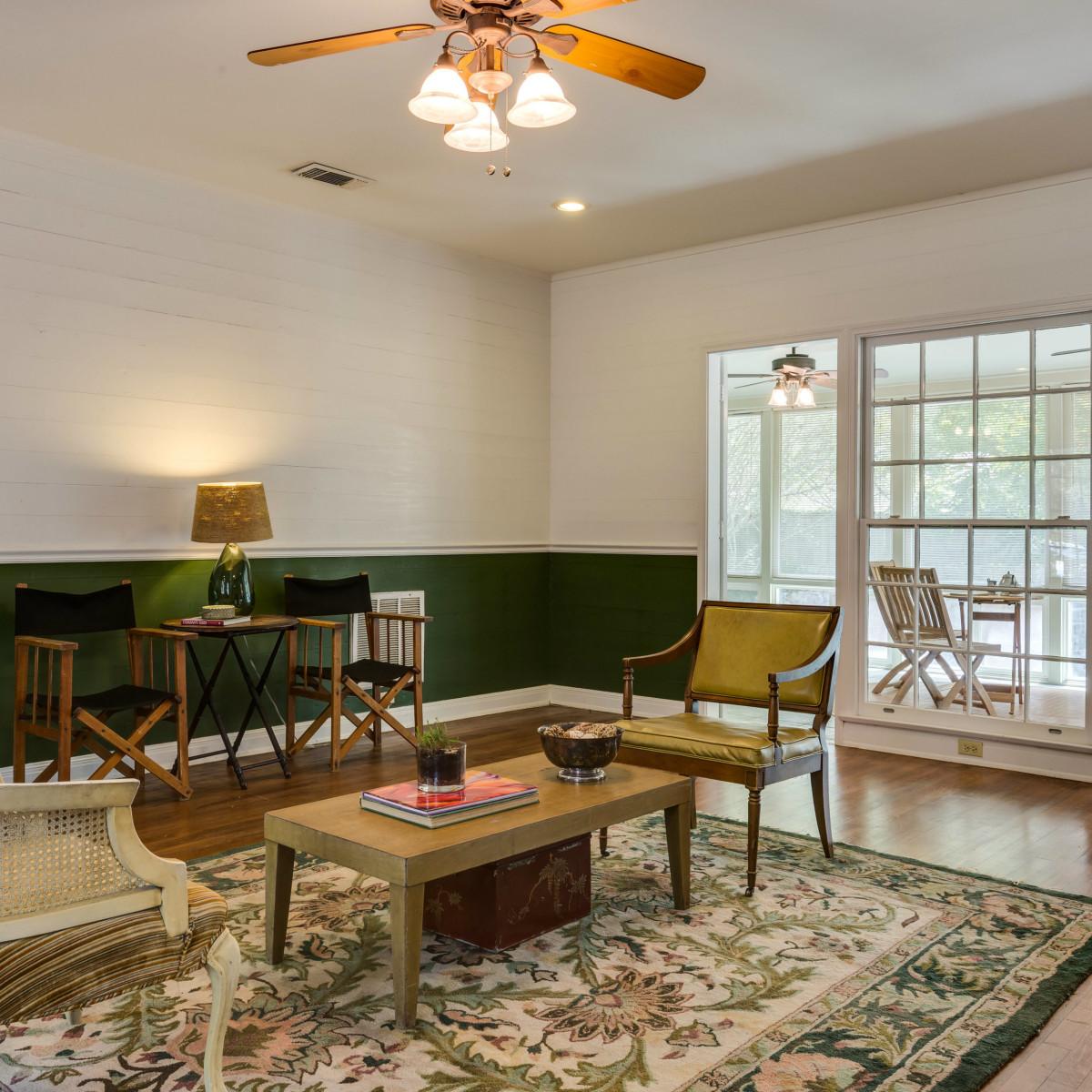 16 Ledge Ln San Antonio house for sale living room