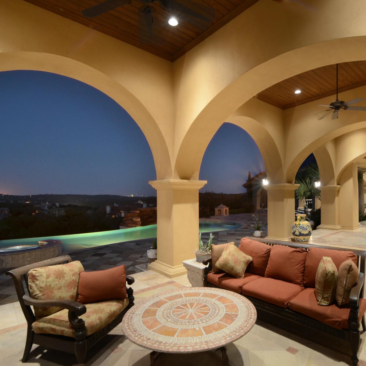7900 Escala Austin house for sale patio