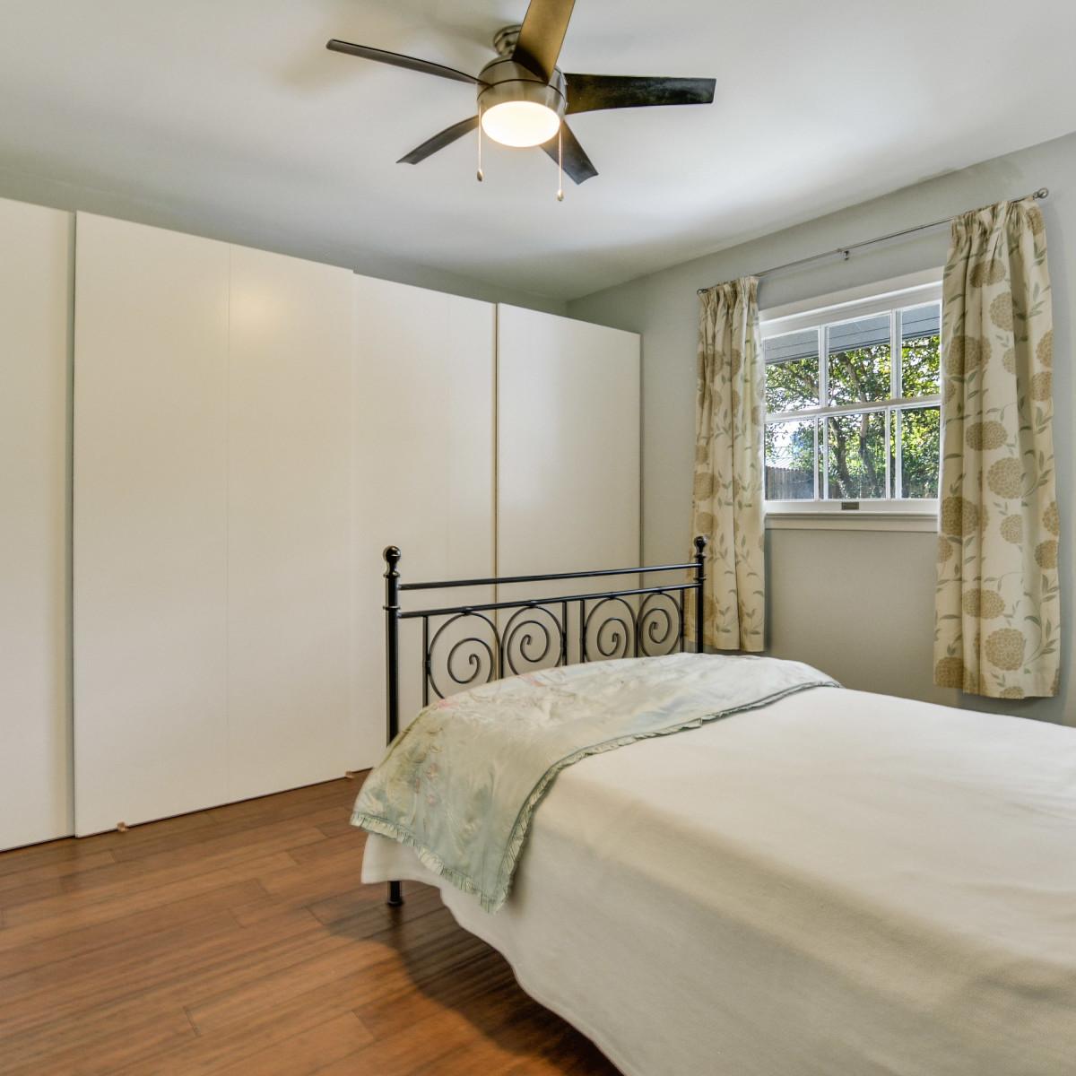231 Hillview San Antonio house for sale bedroom
