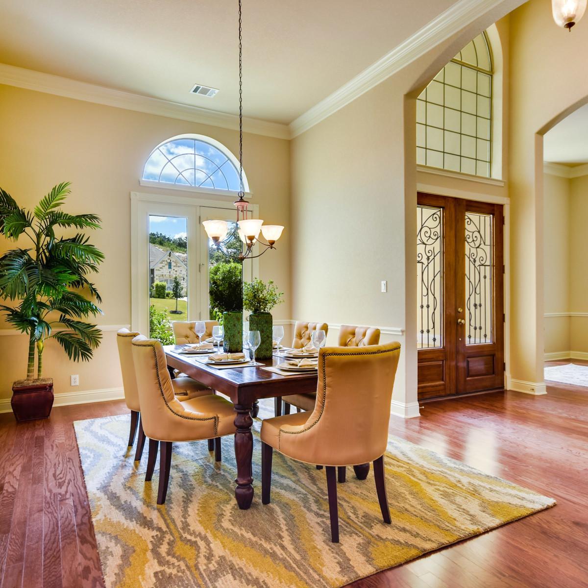 18027 Resort View San Antonio house for sale dining room