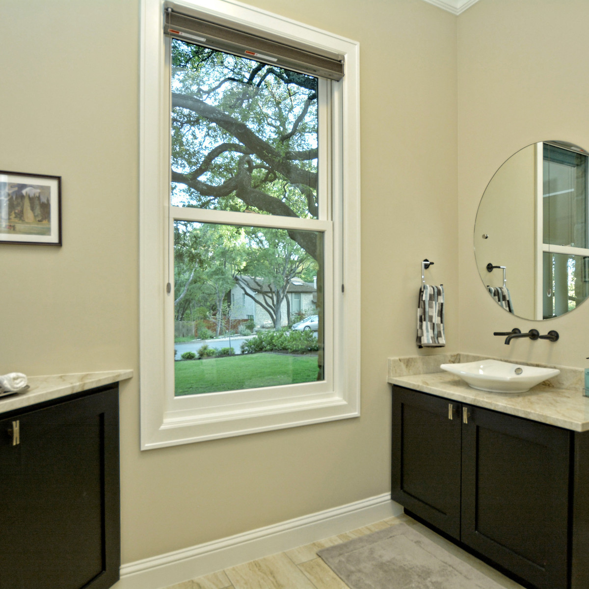 400 Almarian Austin house for sale bathroom