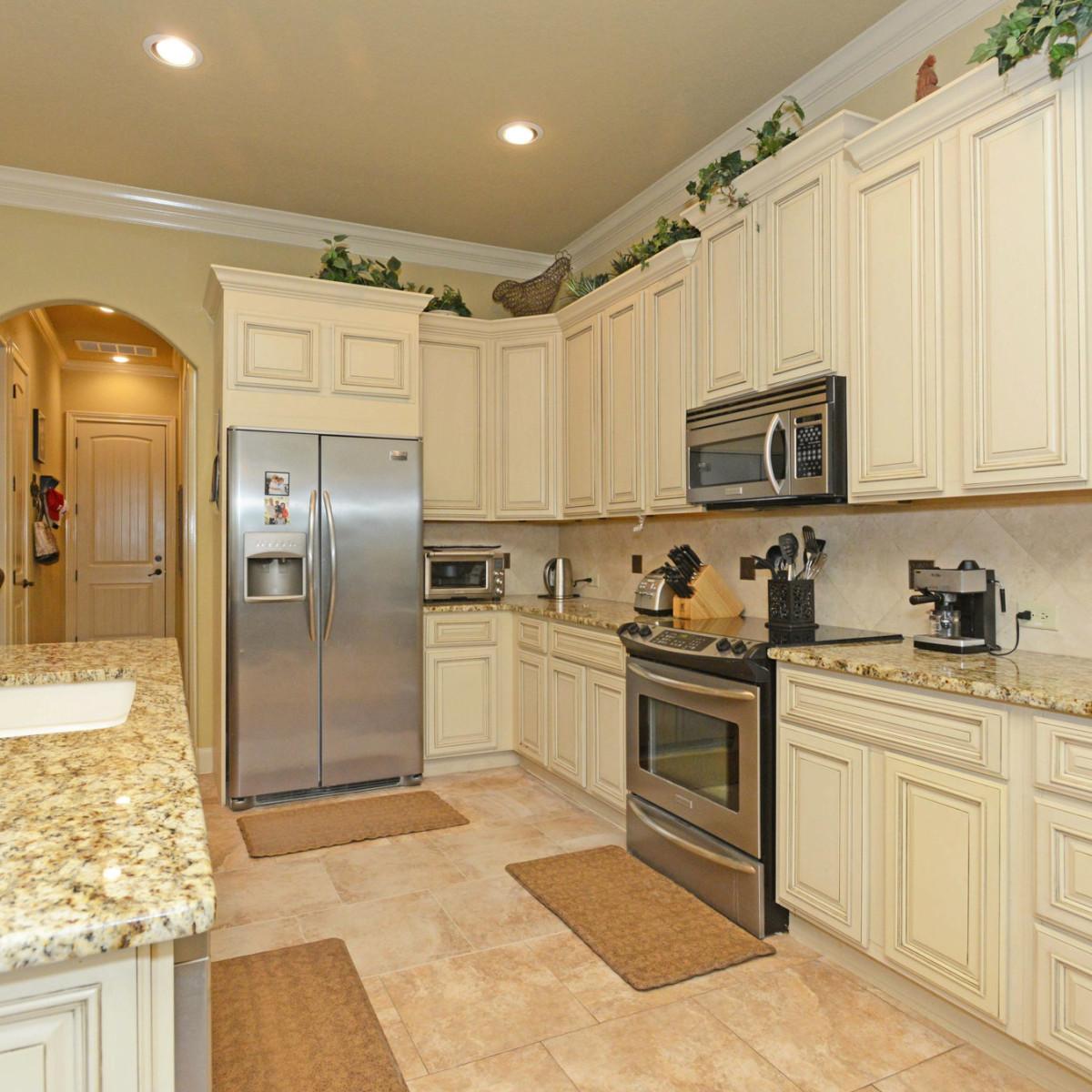 7111 Bethencourt San Antonio house for sale kitchen