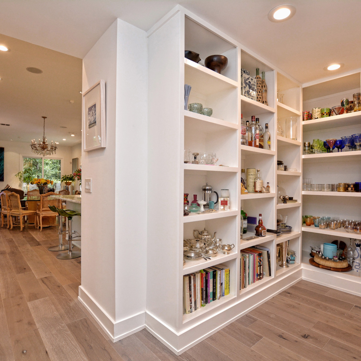 2012A Rabb Glen Austin house for sale bookcases