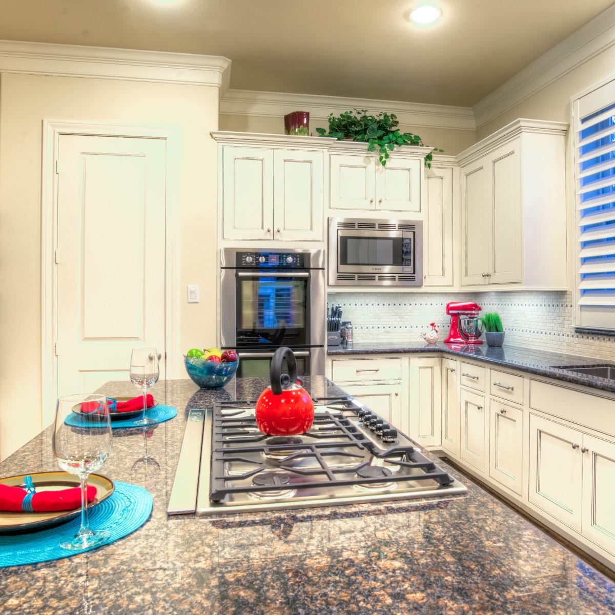 Houston, 1216 Bomar, June 2015, kitchen island