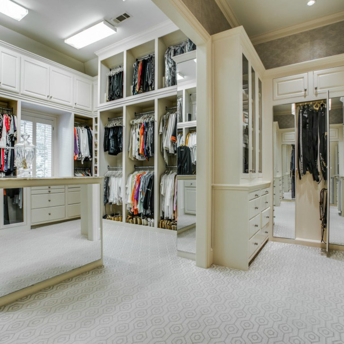 3900 Miramar Ave, Master Bedroom Closet