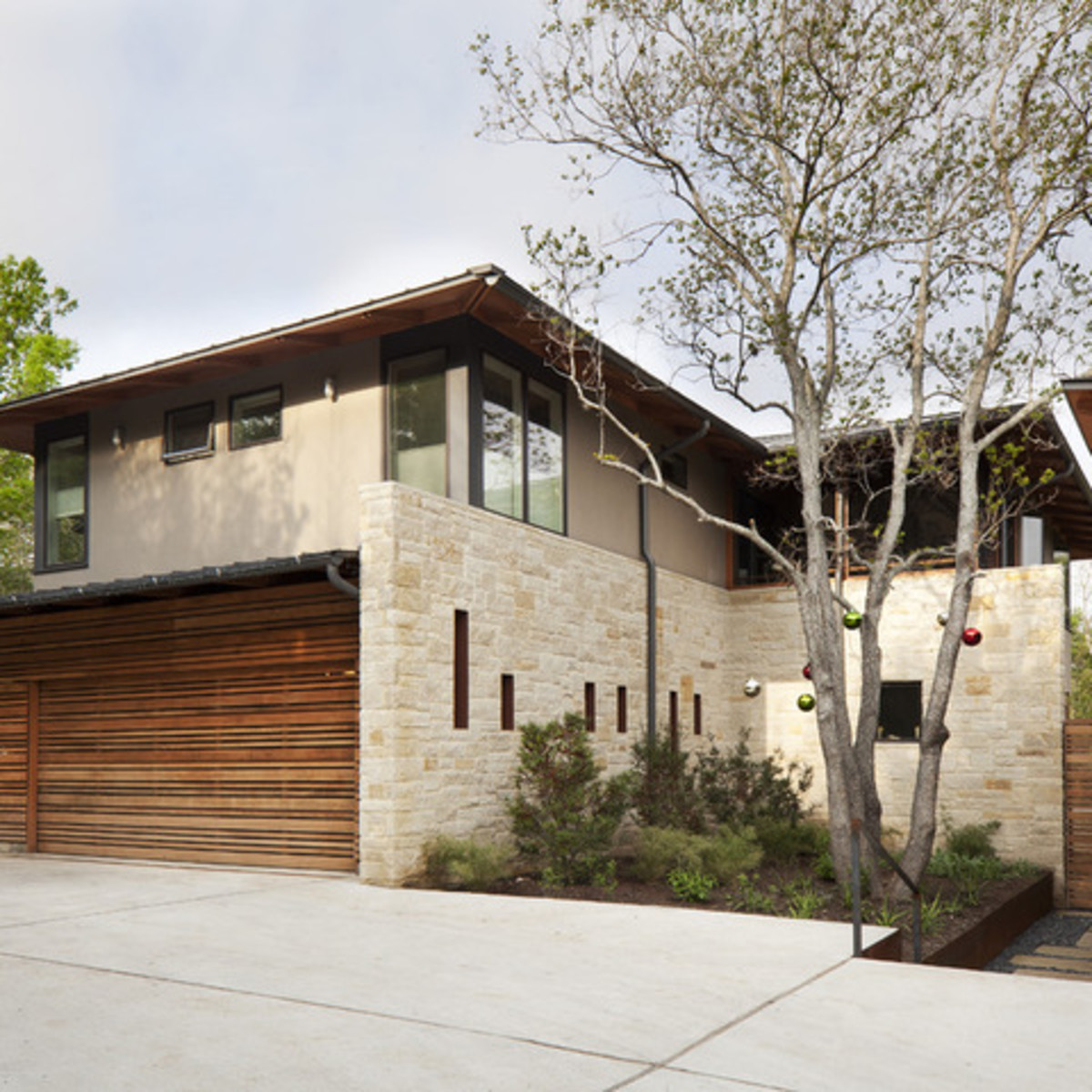 Houzz Austin home tour healthy house exterior