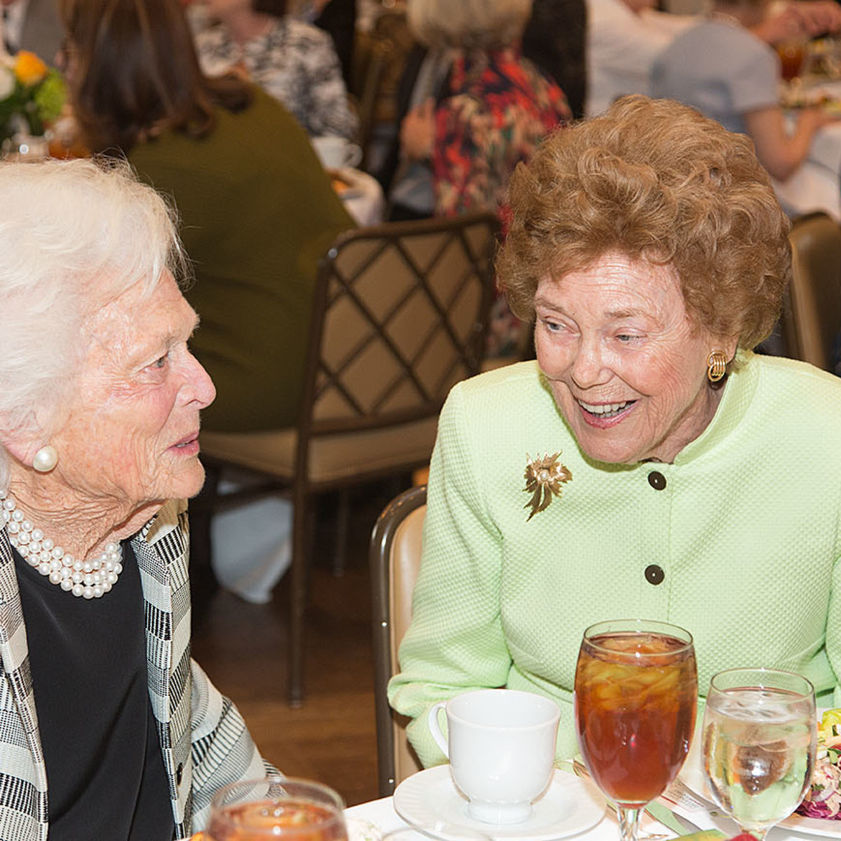 VEPS Luncheon, March 2016, Barbara Bush, Helen Vietor
