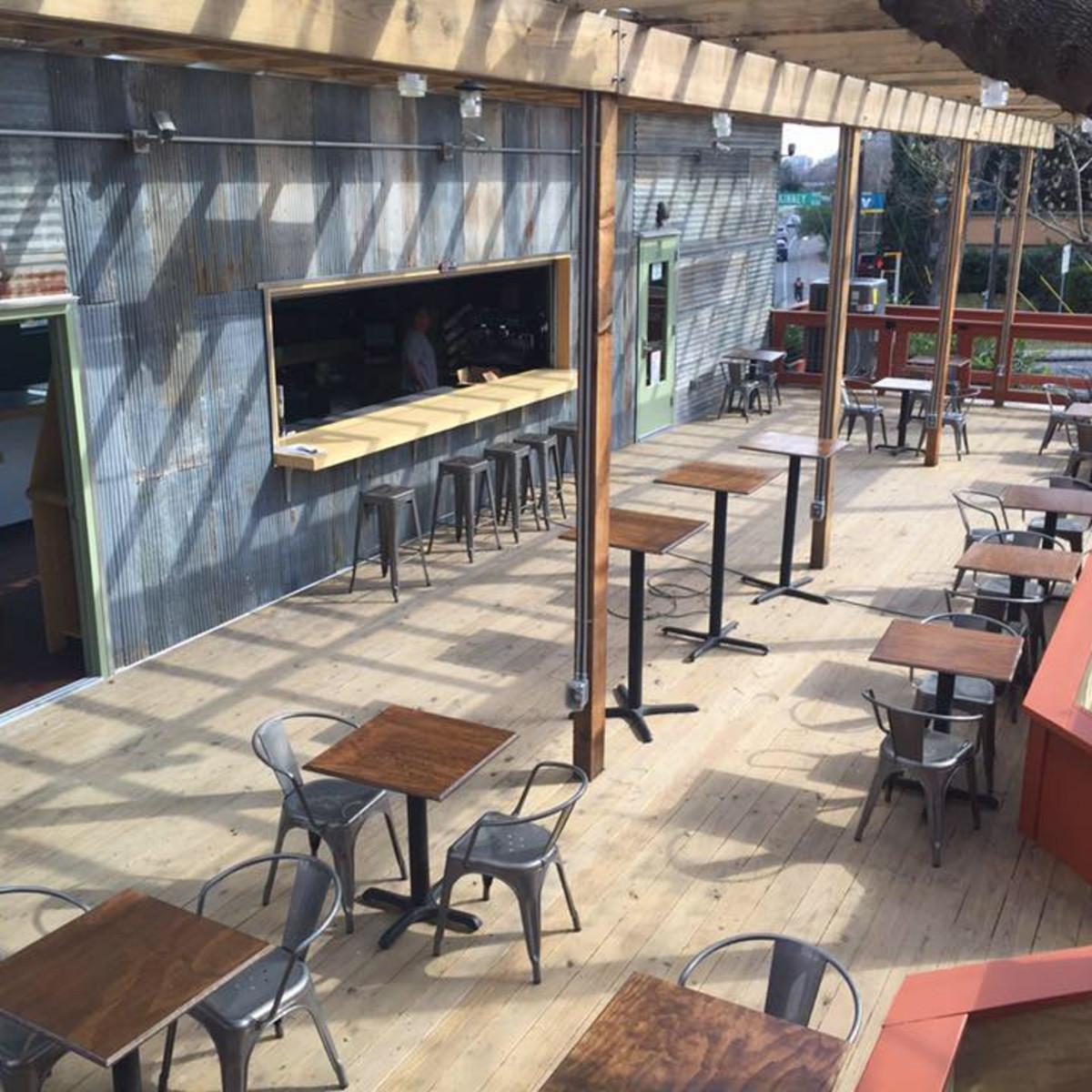 SquareRut Kava Bar patio after completion