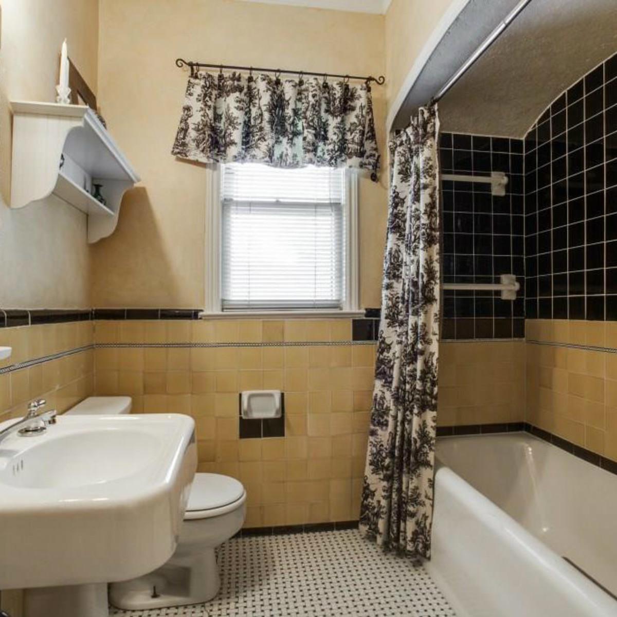 522 Monte Vista bathroom