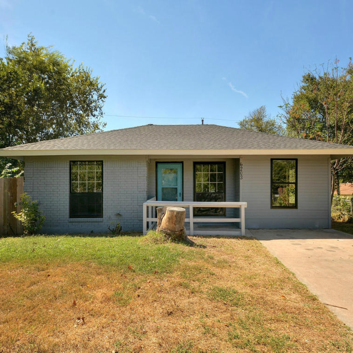 Austin house home 6203 Stiles Cove 78721 February 2016 front