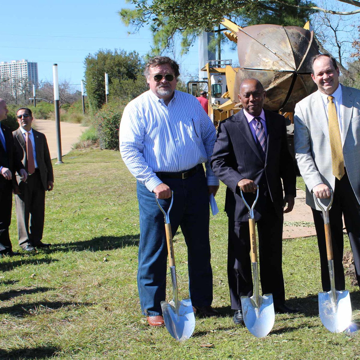 Apache tree planting, Memorial Park, Jan. 2016, Obie O'Brien, Sylvester Turner, John J. Christmann IV
