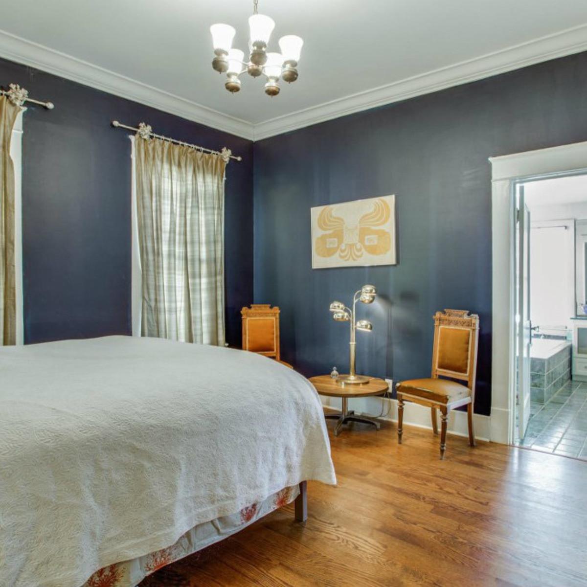 118 N. Winnetka master bedroom