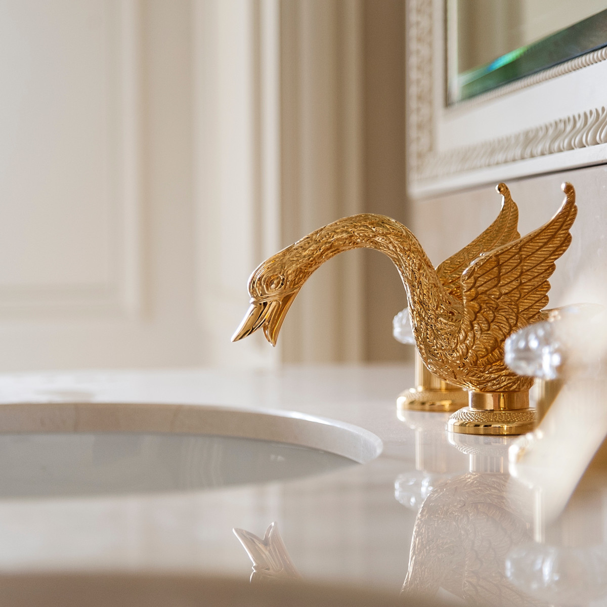 News, Ritz Hotel Paris, Swan fixtures, Jan. 2016