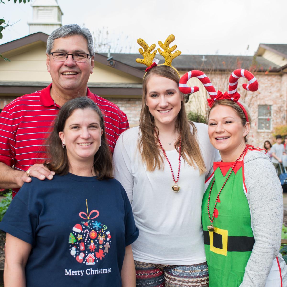 News, Mission of Yahweh Christmas, Dec. 2015,  Lewis & Lara Gamboa, Becca, Megan