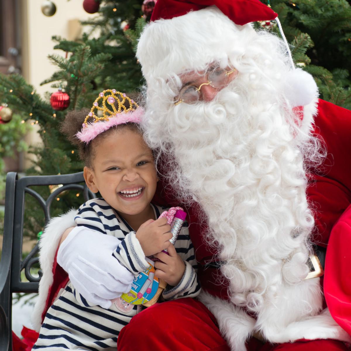 "News, Mission of Yahweh Christmas, Dec. 2015, Xiomara ""Zee"" Hernandez, Santa"