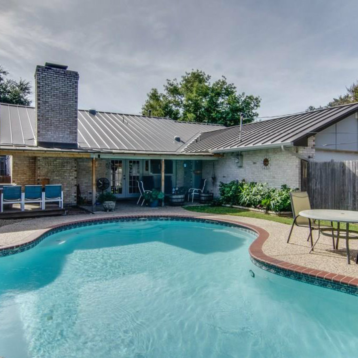 3065 Kinkaid Dr. pool in Dallas