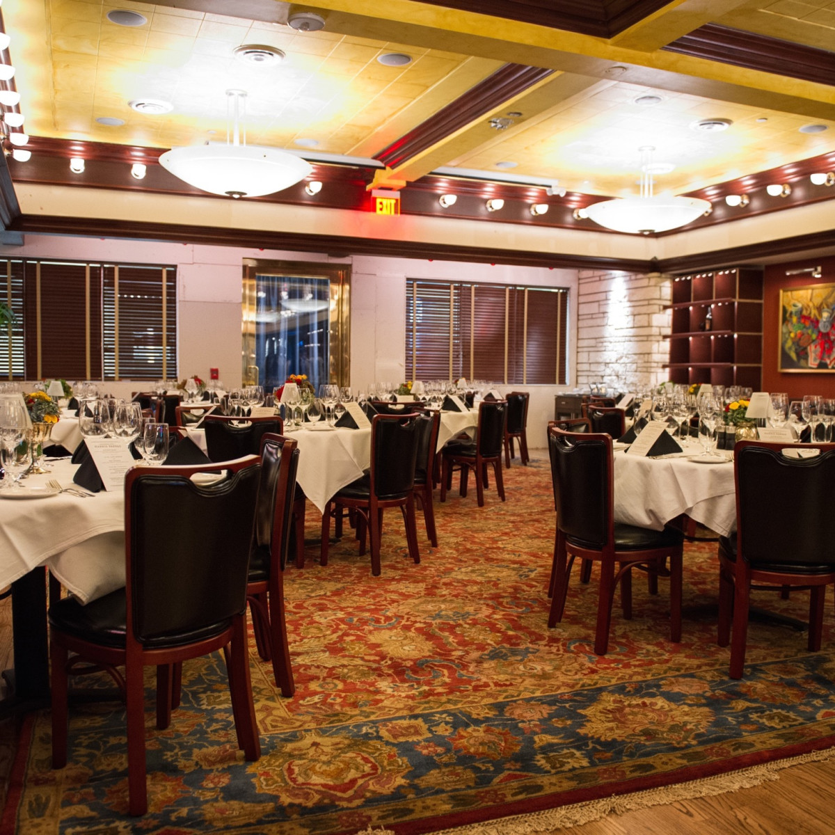 Pappas Bros Steakhouse downtown interior