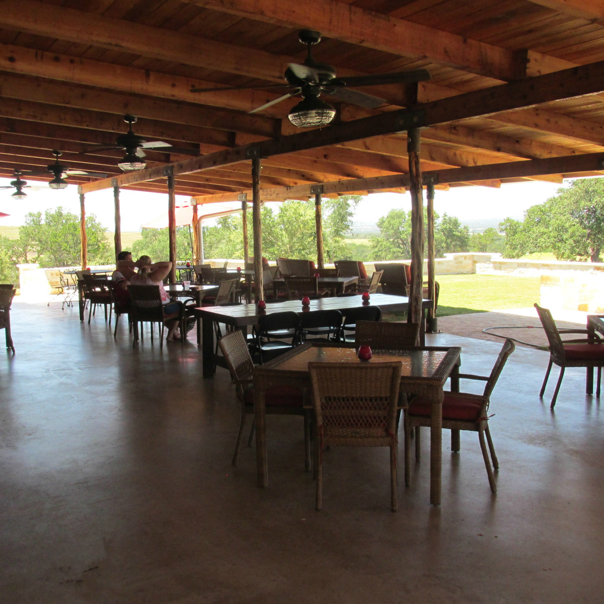Compass Rose Cellars dining room Hye 2015