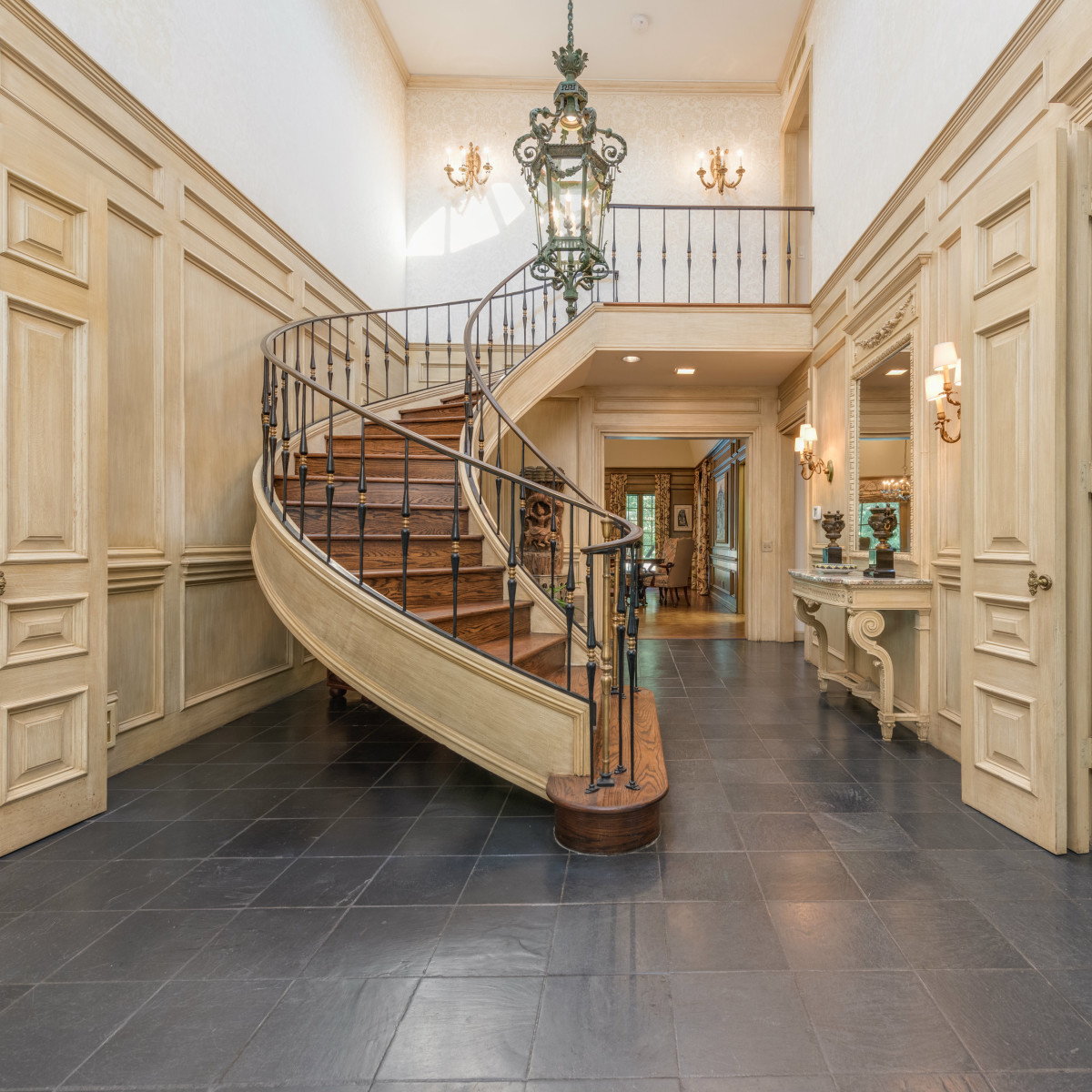 Preston Hollow foyer