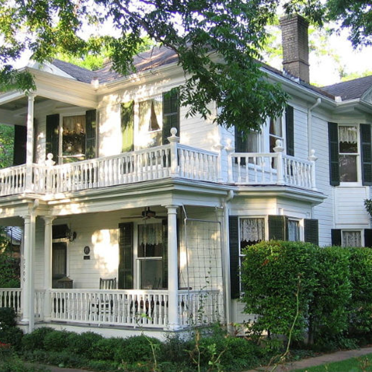 RentCafe 1902 Colonial Revival