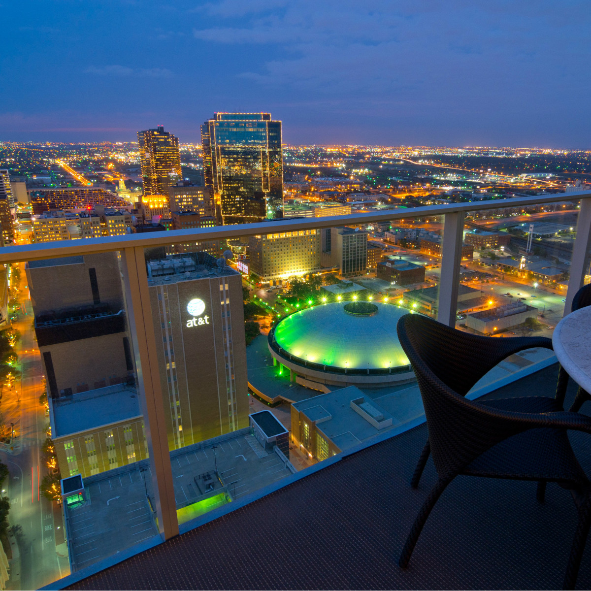 1301 Throckmorton St. Fort Worth Omni penthouse for sale