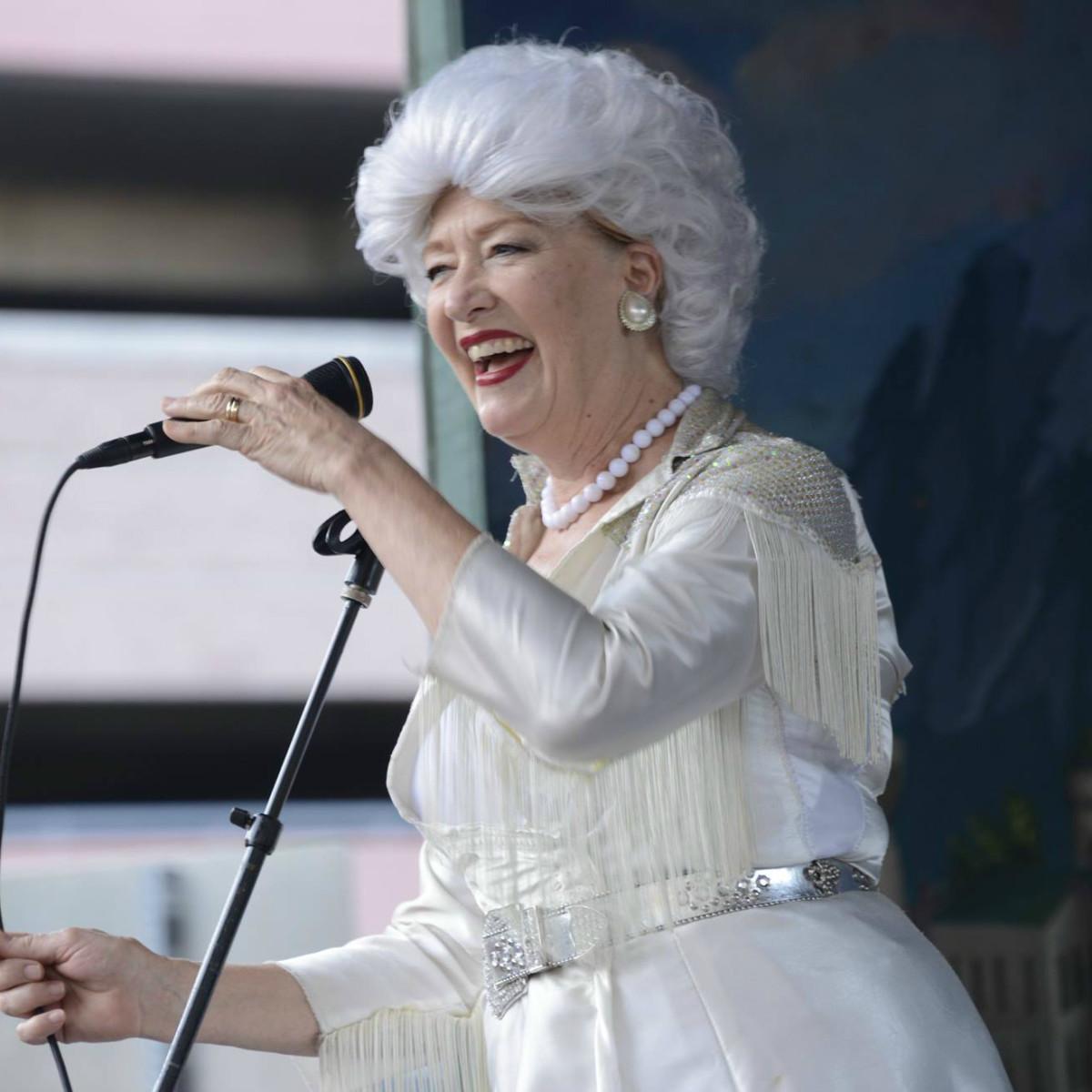 Shannon Sedwick Austin comedian Ann Richards costume 2014