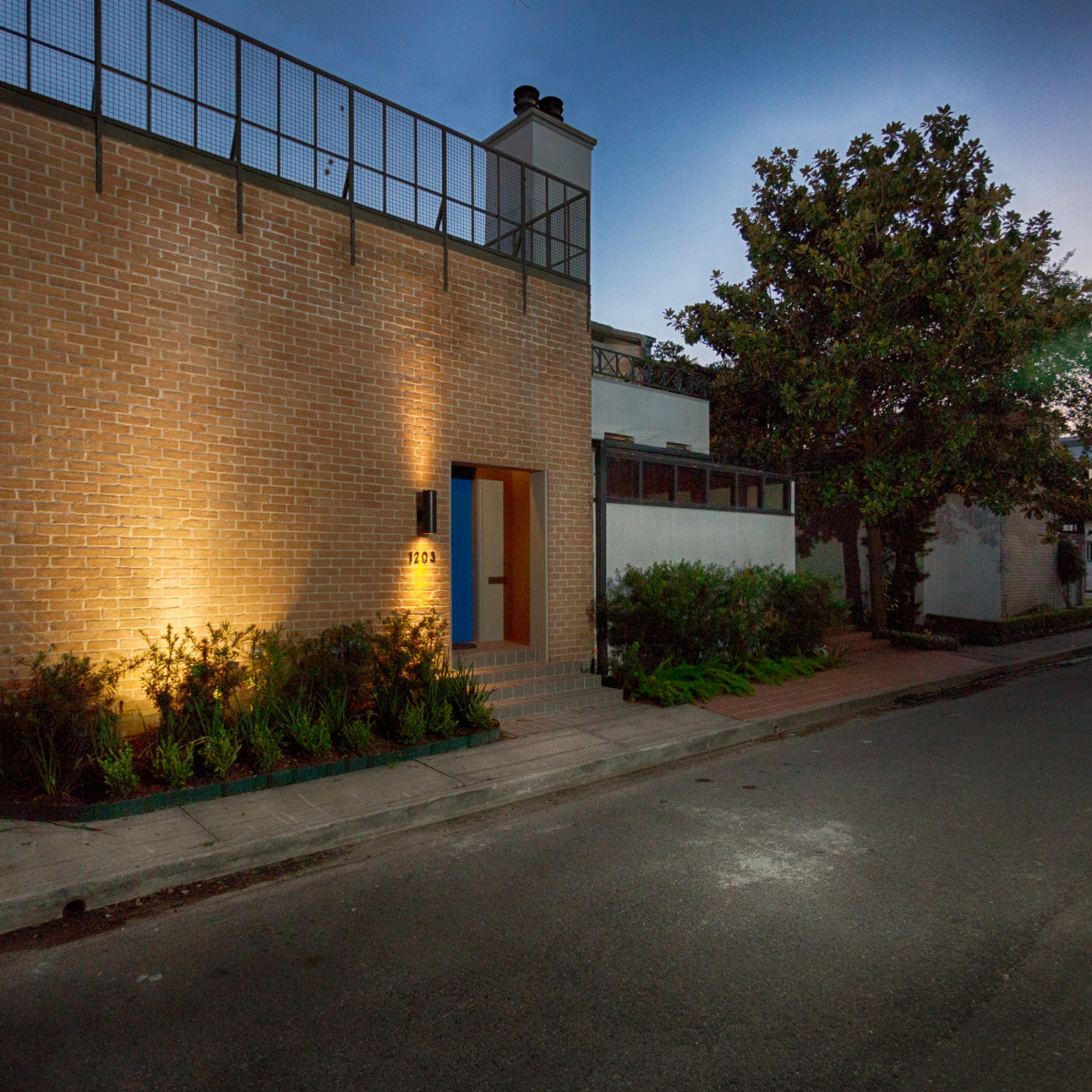 Houston, 1203 Berthea, September 2015, elevation