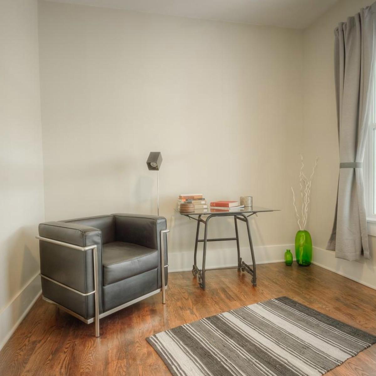1122 Gunter St 78702 East Austin house bedroom 2015