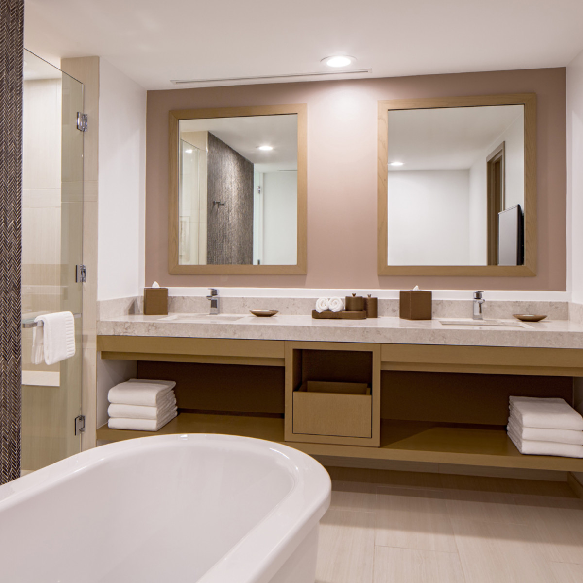 Hyatt Regency two story suites master bath