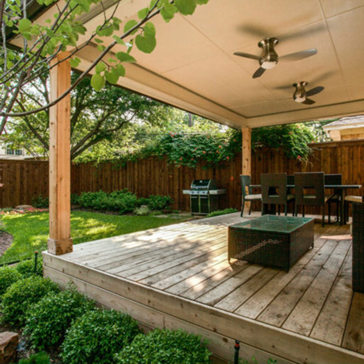 Covered patio at 811 Monte Vista Dr. in Dallas