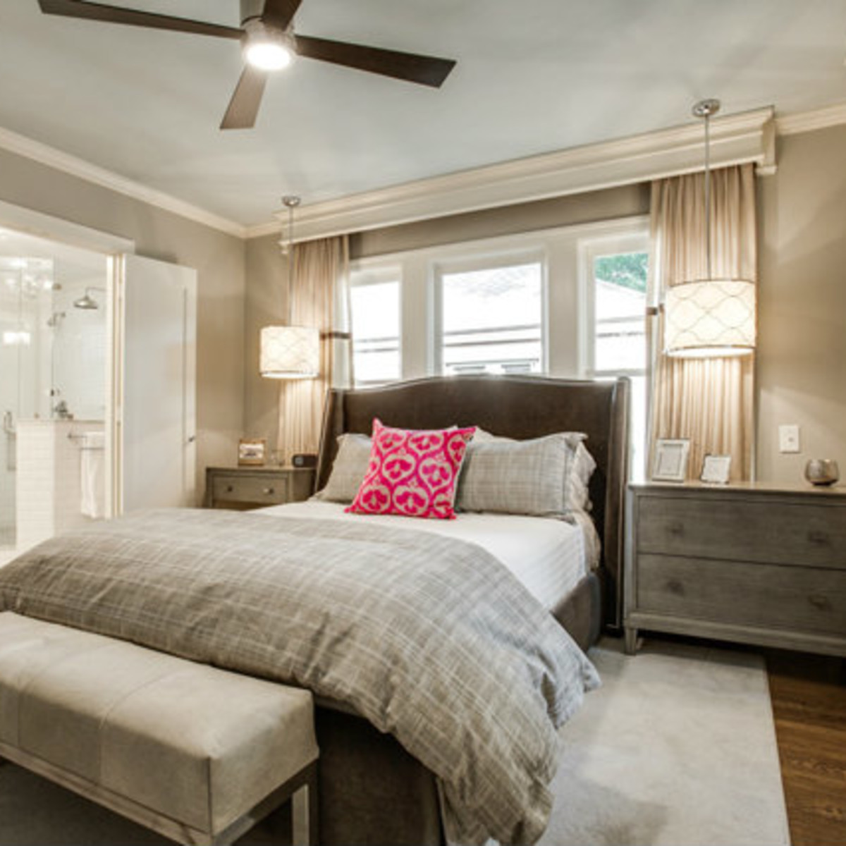 Master bedroom at 811 Monte Vista Dr. in Dallas