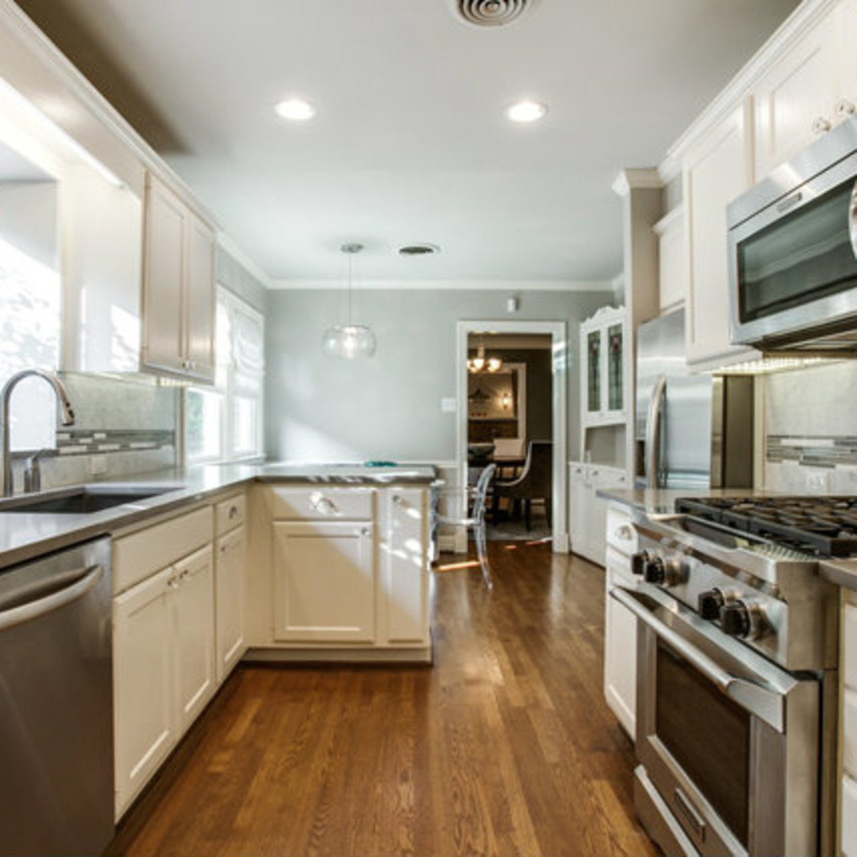 Kitchen at 811 Monte Vista Dr. in Dallas