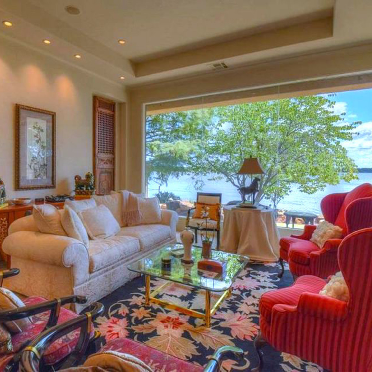 Rex Tillerson home at Horseshoe Bay, living room