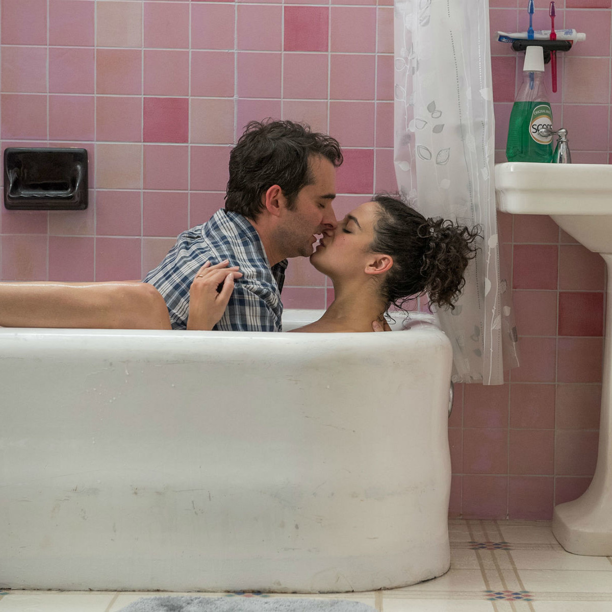 Jay Duplass and Jenny Slate in Landline
