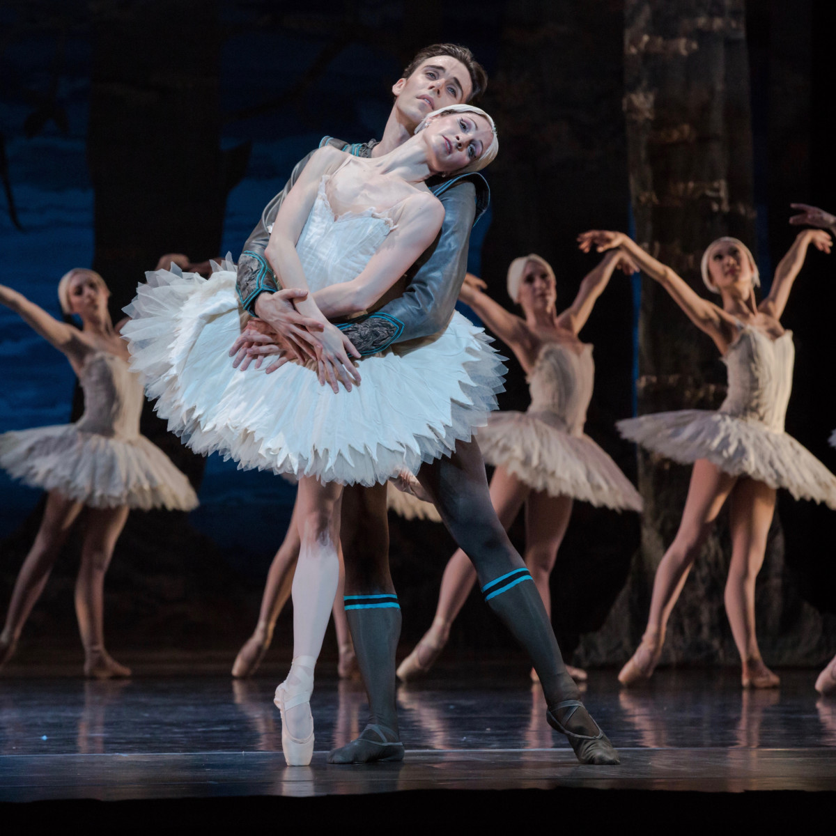 Houston Ballet: Sara Webb and Connor Walsh in Swan Lake