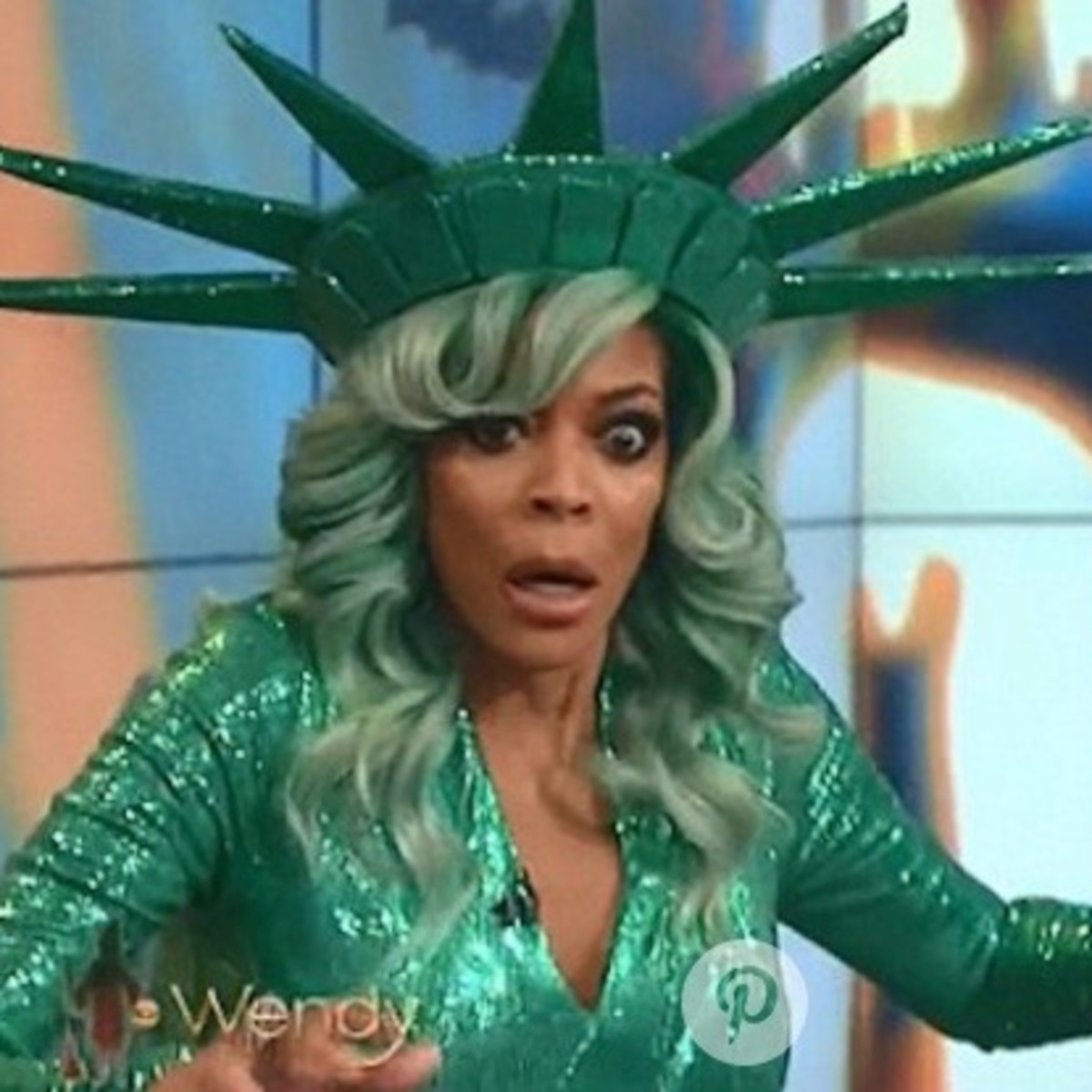 Wendy Williams in Statue of Liberty gown faints