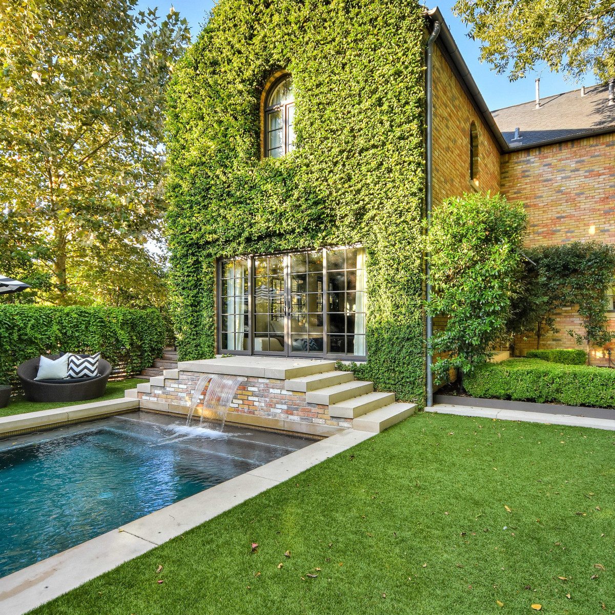 1625 Watchhall Austin house for sale pool