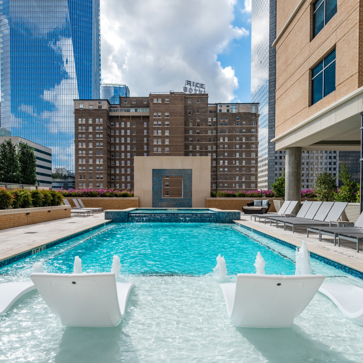 Houston, Aris Market Square, December 2017, 9th floor pool
