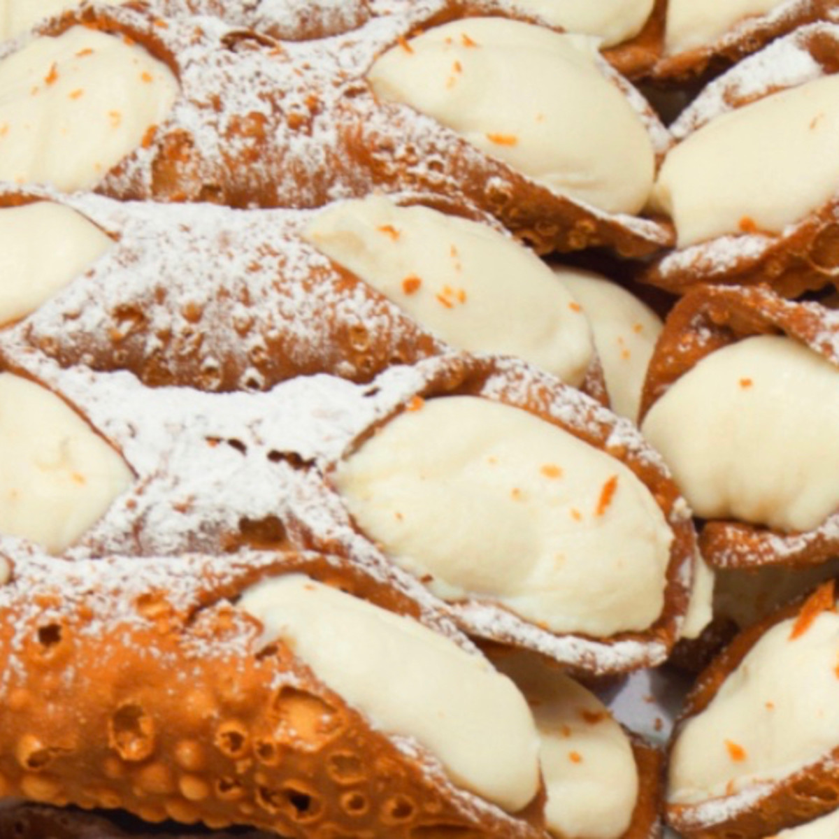 Italian American Grocery Heights cannoli