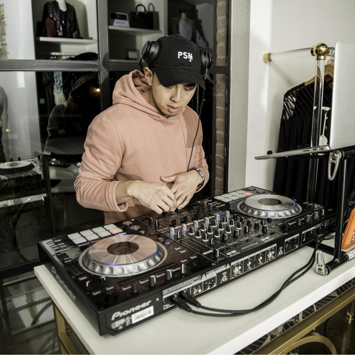 DJ JARVIS