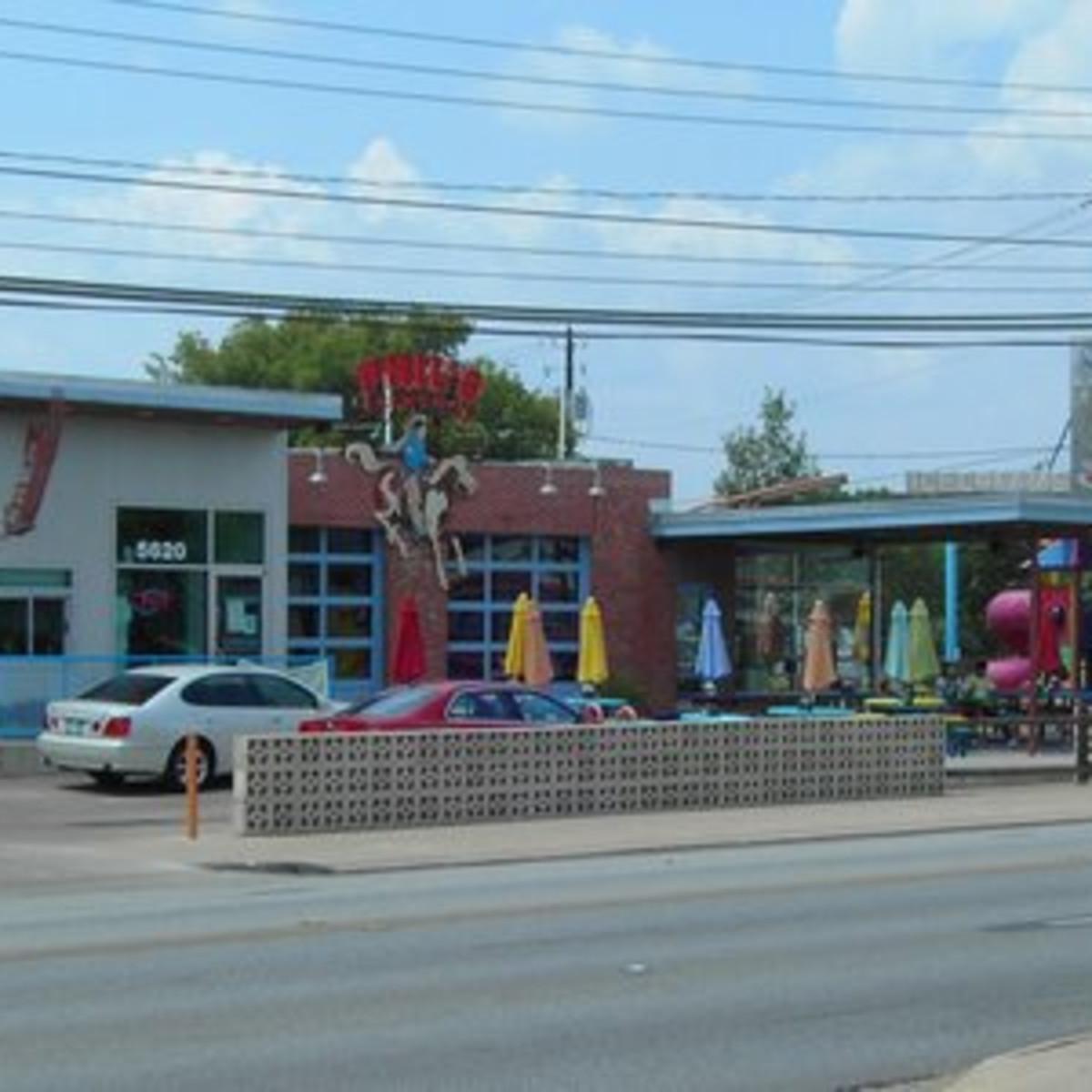 Austin Photo: Places_food_phil's icehouse exterior