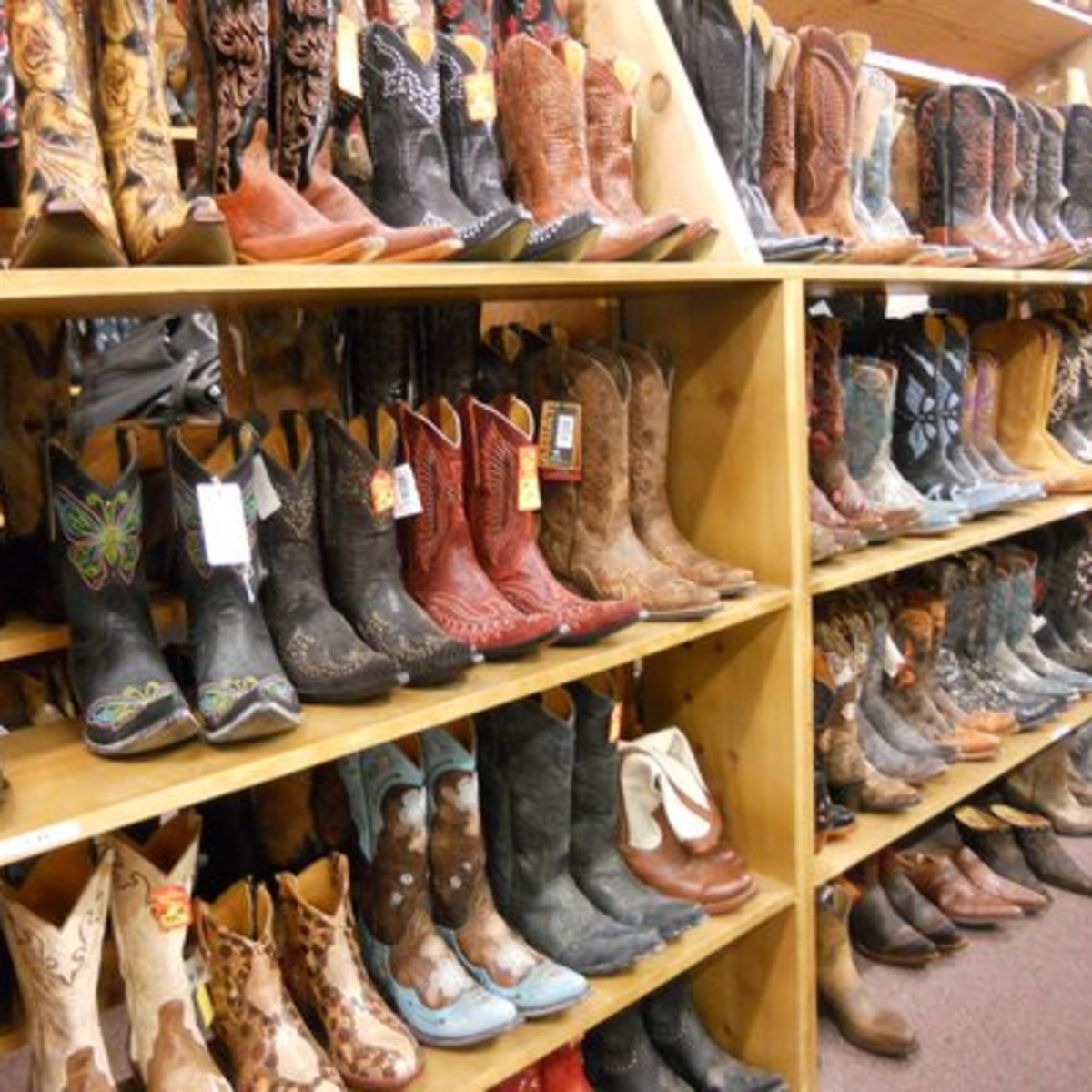 Austin Photo: Places_shopping_allen_boots_interior