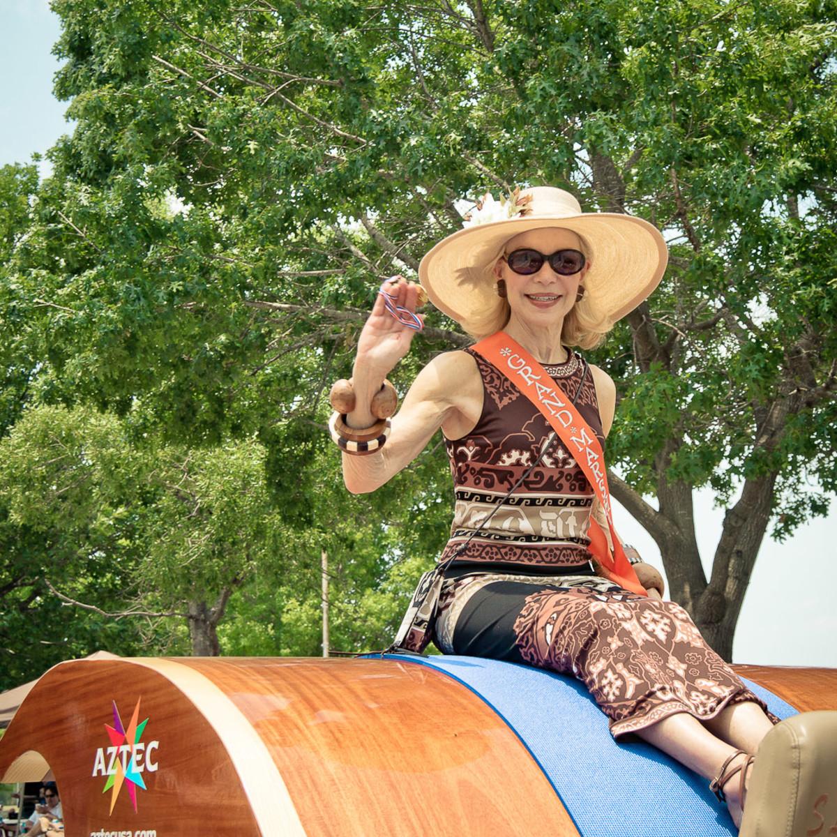 News_003_Art Car Parade_Lynn Wyatt