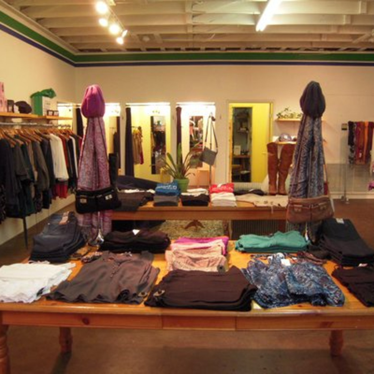 Austin Photo: Places_shopping_y and i clothing boutique_interior