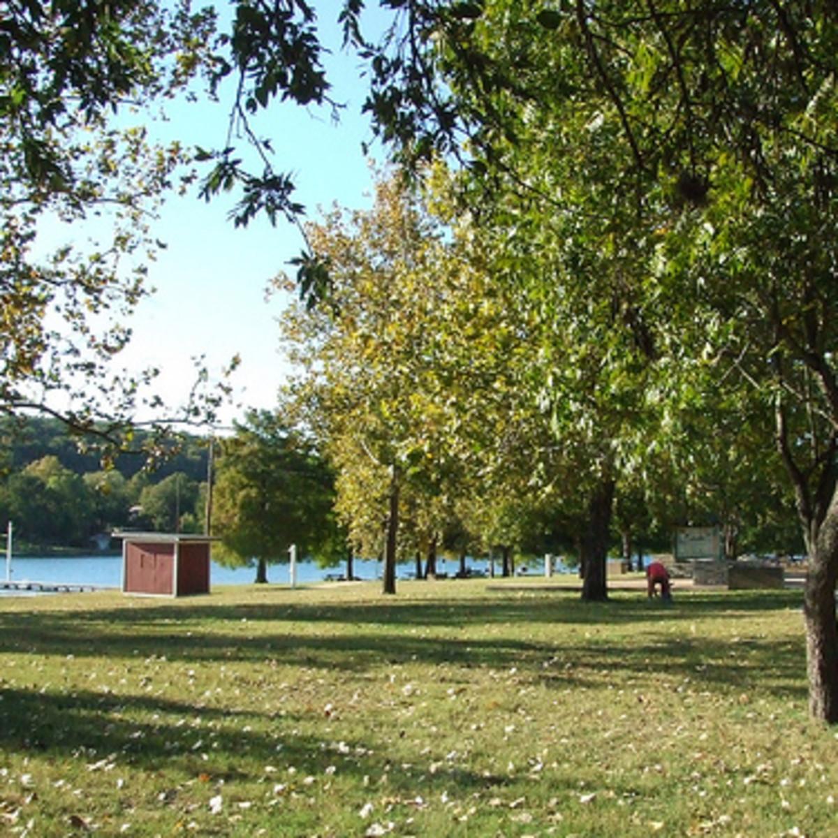 Austin_photo: places_outdoors_emma_long_lake