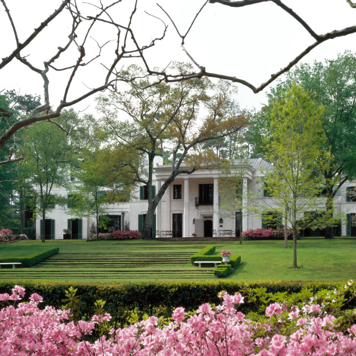 Places-Unique-Bayou Bend mansion-exterior-1