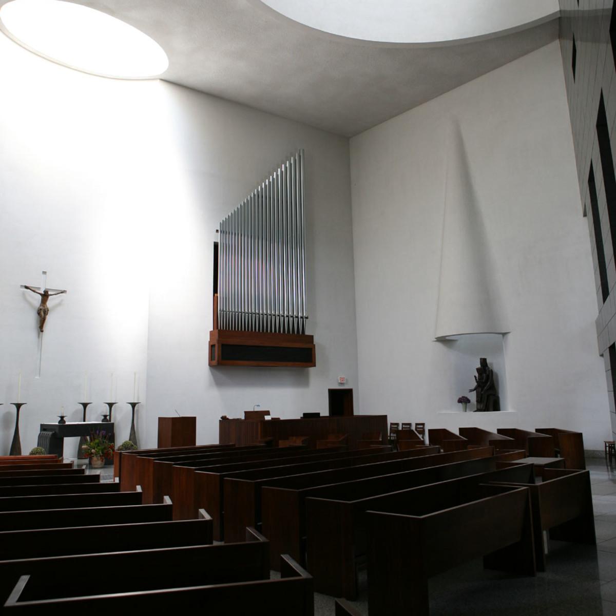 Places-Unique-University of St. Thomas-chapel interior-1
