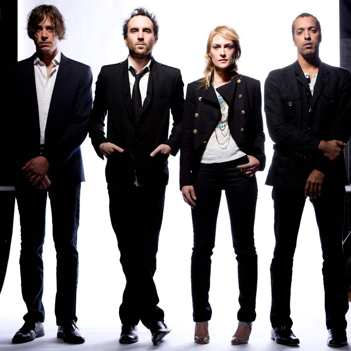 News_Metric_band members_Michael D. Clark_112709
