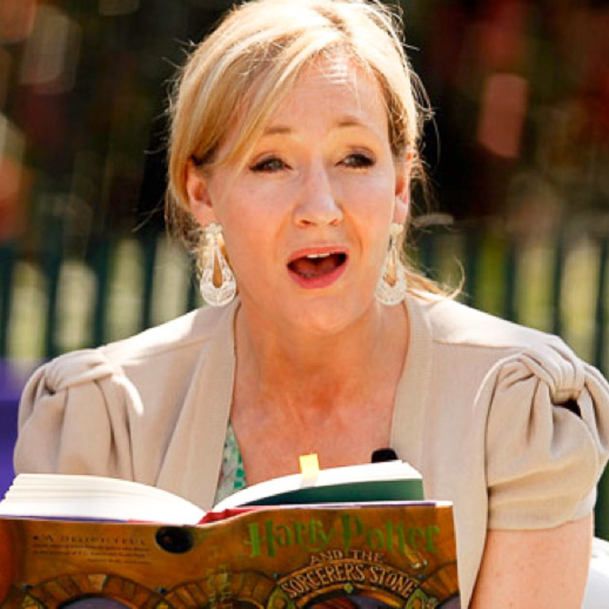 News_J.K. Rowling_White House_reading_Harry Potter_author
